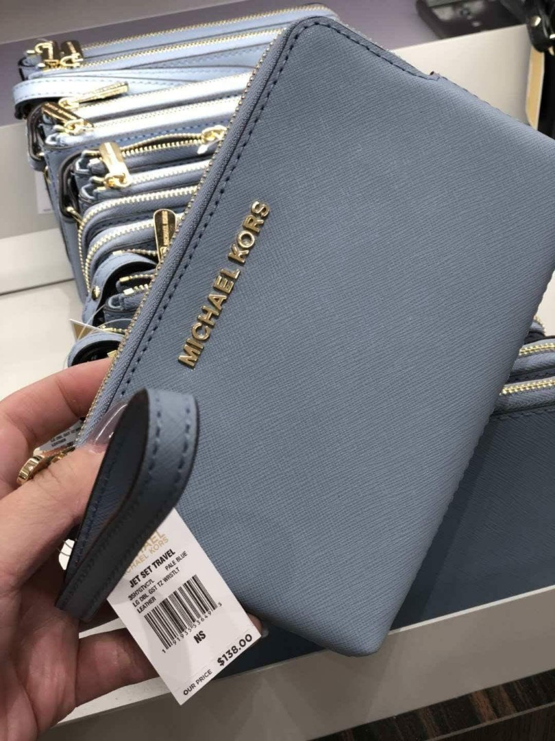2fa2b713e3e2 MICHAEL KORS Double Zip Wristlet, Women's Fashion, Bags & Wallets, Wallets  on Carousell