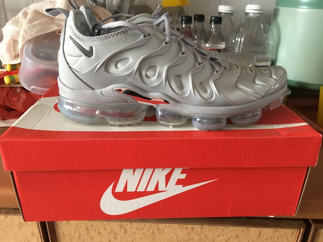 a5ed9689ed Nike Air Vapormax plus, Men's Fashion, Footwear, Sneakers on Carousell