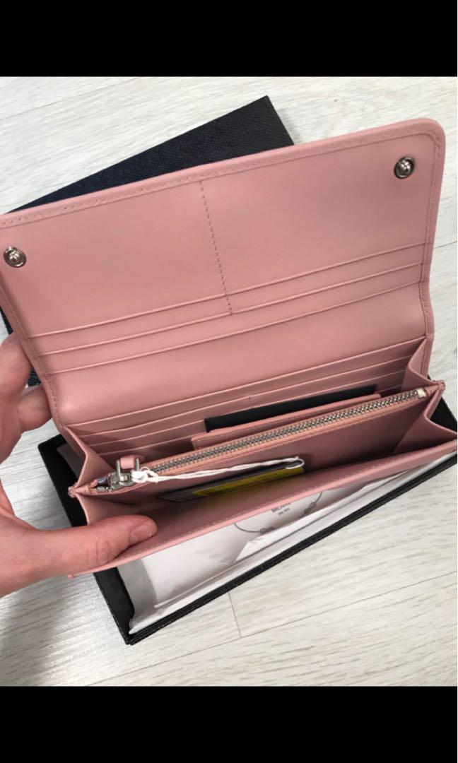 Prada woman wallet