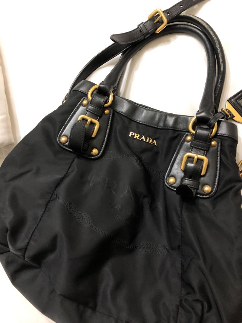5cebd14f9994 Preloved Prada shopping Nylon Jacquard+ Nappa Nero, Luxury on Carousell