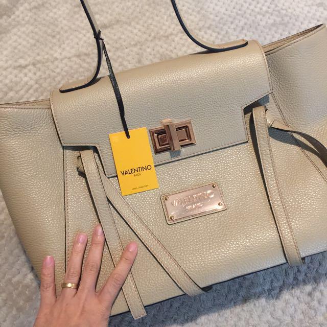 *PRICE REDUCED*: Authentic Valentino by Mario Valentino Handbag