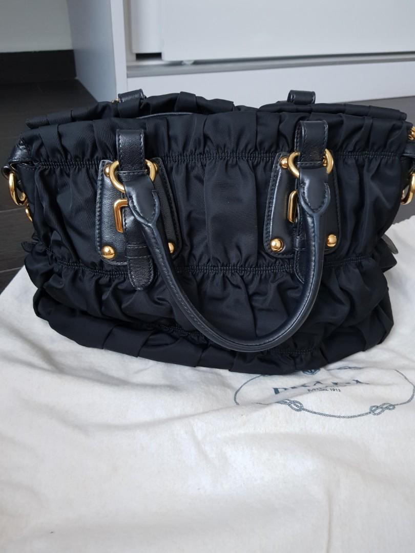 842092b5a64d  PRICE REDUCED  PRADA Tessuto Gaufre Shopping BN1336