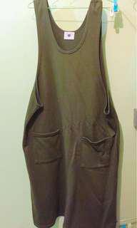 吊帶背心洋裝