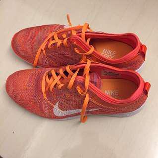 Nike亮橘色編織鞋