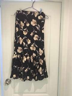 夏天必備全新花花半截裙