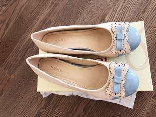 80% new women shoes, 240mm, US size 7, EU size 38