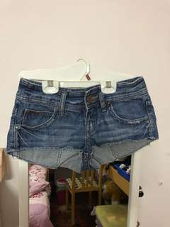Preloved Billabong denim shorts (xs)