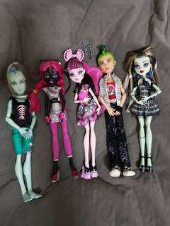 Whole lot Monster high dolls