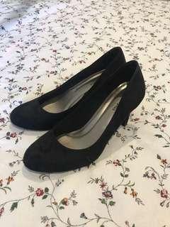 Black comfort plus pumps
