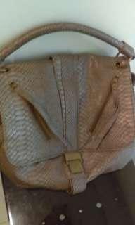 Snake style hand bag