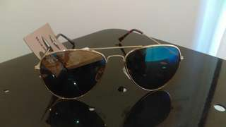 Brand new Ray ban style sunnies