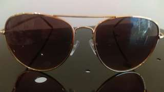 Almost brand new ray ban style