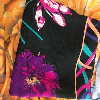 Jilbab segi empat/square motif bunga