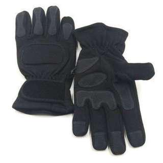 Combat Engineering Artillery Gloves. Same Specification as St Logistics stocks for the SAF. Also Known As Combat Services Tactical Gloves. Size Medium and Large Only.