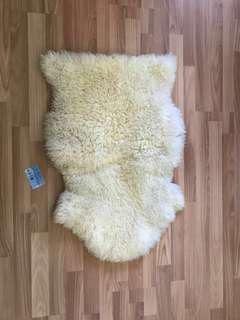 Authentic New Zealand sheepskin rug