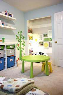 Ikea children table with 2 stools 宜家 小童檯凳