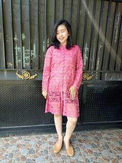 Pink kebaya