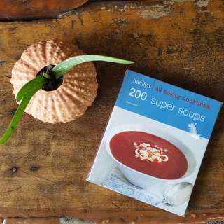 200 Super Soups (Recipe Book)