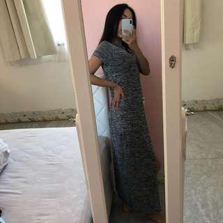 Long dress slit tengah