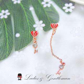 <Ladies & gentleman>不對稱玫瑰金愛心心鎖水鑽鏈子鑰匙穿式耳環
