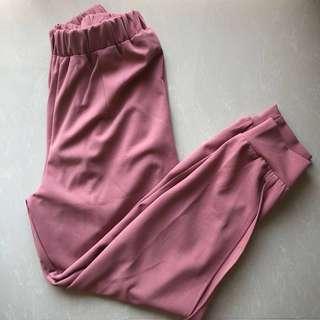 Pink trouser woman 💖