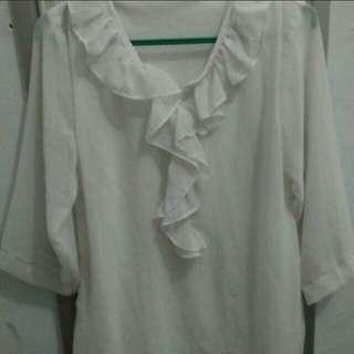 Blus putih