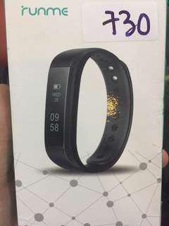 730•runme fitness tracker