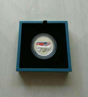 USA-DPRK Summit In Singapore 2018 1 oz  0.999 Silver Proof Medallion In Original Packaging And COA.Mintage 15000 pcs.