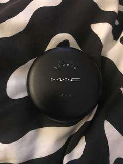 MAC studio fix powder NC20