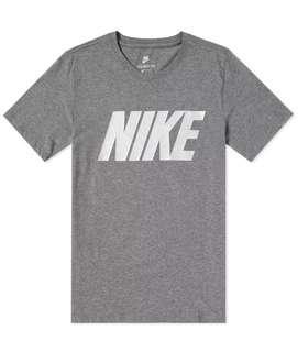 BNWT Nike Block Tee