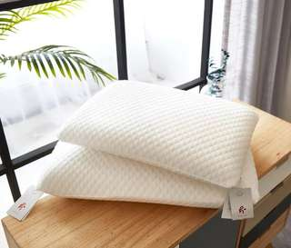 🚚 LATEX PILLOW / with eco friendly white case
