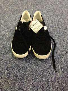 PULL&BEAR size 37 only