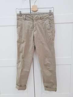 Uniqlo Khakis pants