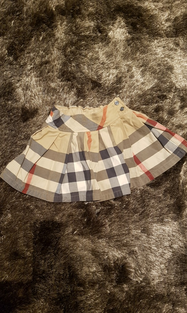 423dd46bd6df Authentic Burberry Pleated Skirt