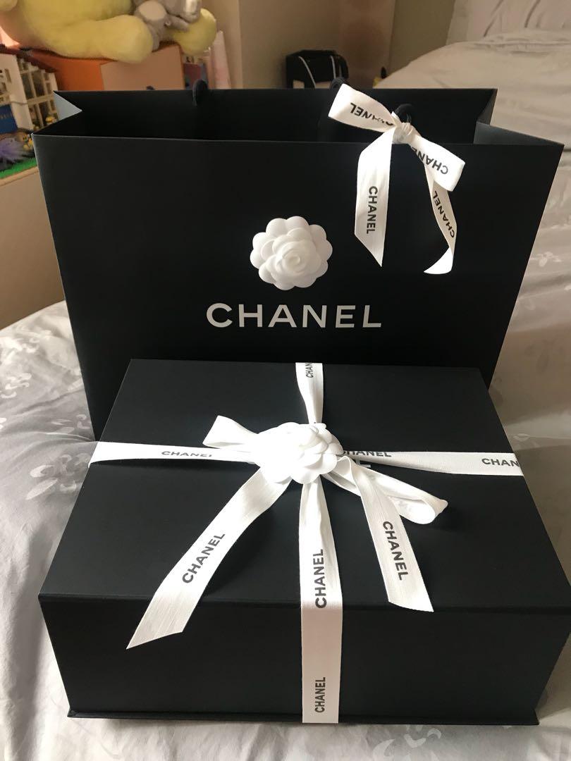 66bf431a89b Carousell의 Chanel boy small