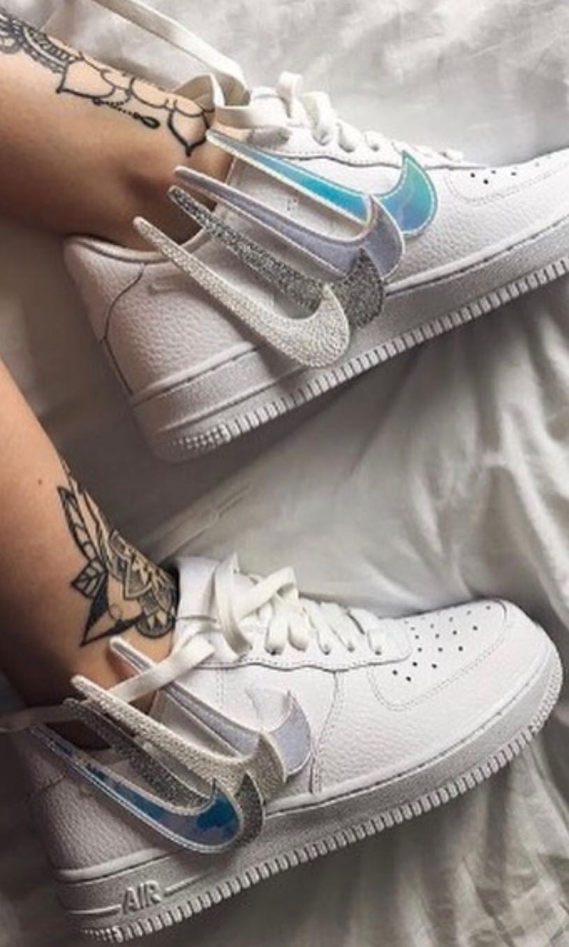 970f1e12edf Nike Air Force 1 WMN Removable Swoosh