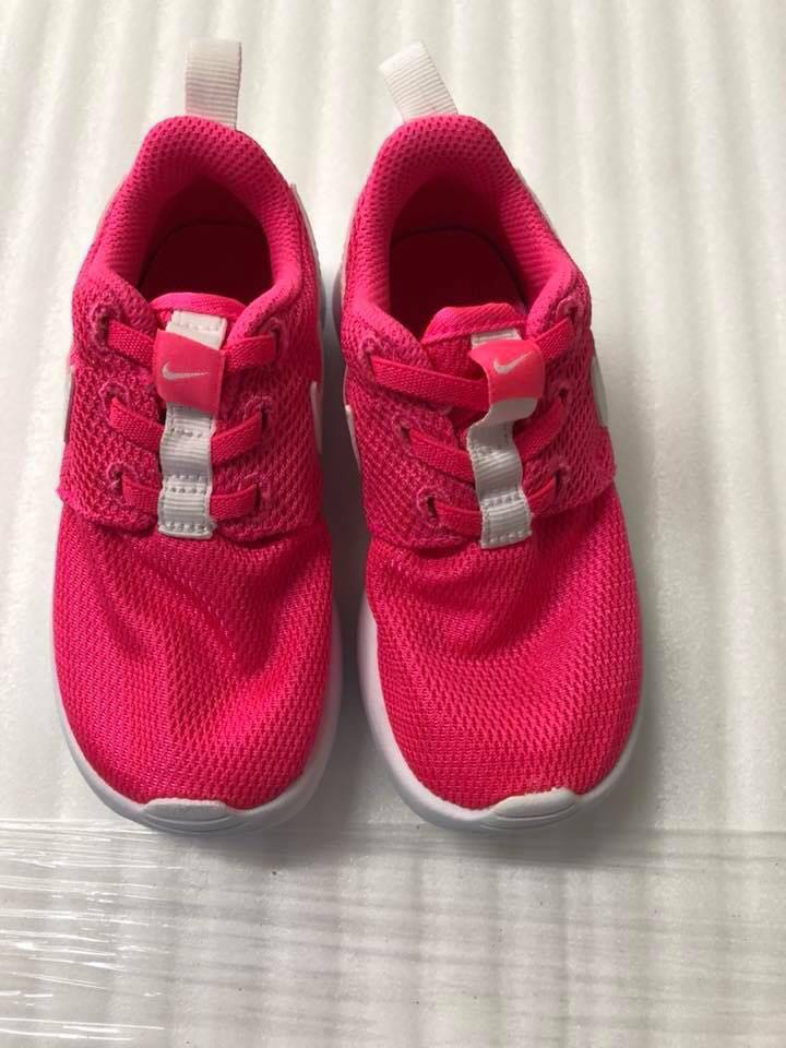 huge discount 368dc e08c7 Nike Roshe one, Babies   Kids, Others on Carousell