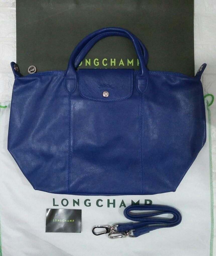 b9a9dcbb04 Sale!! Longchamp le cuir medium royal blue, Luxury, Bags & Wallets ...
