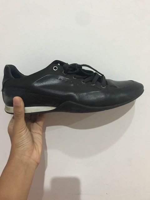 Sepatu hugo boss 37b47f185c