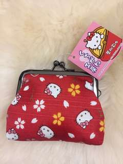 Hello Kitty 葉朗彩散子包