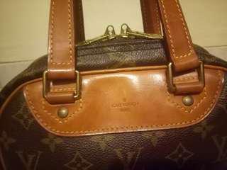 Authentic Louis Vuitton monogram EXCURSION. VINTAGE. RARE.