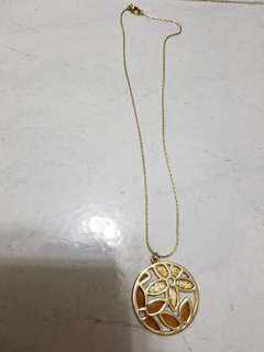 celine style golden floral pendulum necklace