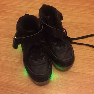 Shoes for boys w/light