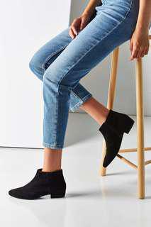 Vagabond Black Suede shoes 6.5
