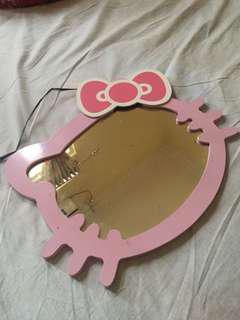 Kaca Hello Kitty