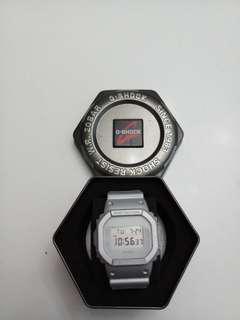 G-SHOCK DW5600SG