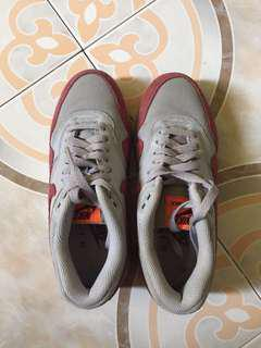 Authentic Nike Airmax US6