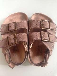 Preloved authentic osk kosh sandals