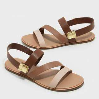 🚚 charles & keith涼鞋