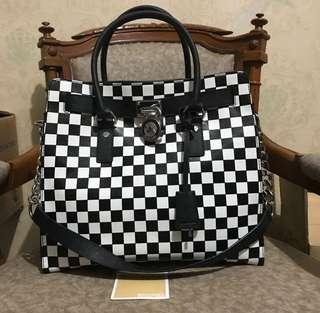 NBU Authentic Michael Kors Hamilton Large Checkerboard